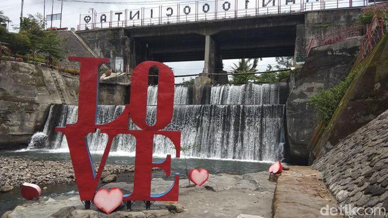 Taman seribu cinta di Magelang. (Foto: Eko Susanto/detikcom)