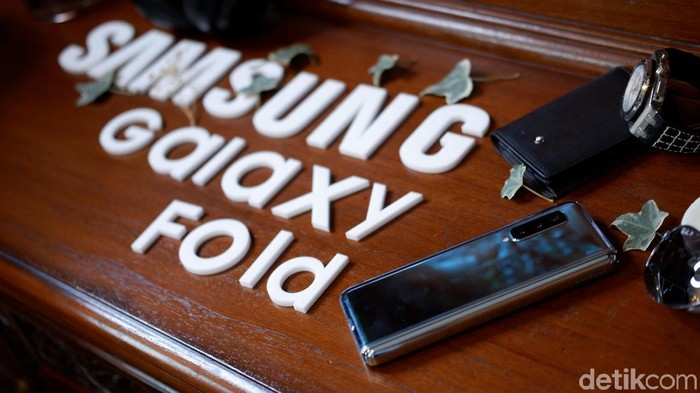 Galaxy Fold ludes dipesan di pasar Indonesia. Foto: Adi Fida Rahman/detikINET