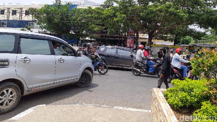 Foto: Tim detikcom/Putaran lalu lintas di Makassar