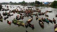 Melepas Rindu ke Pasar Terapung Lok Baintan dalam Foto
