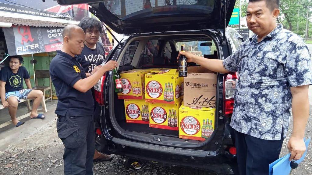 Polres Gowa Sita Ratusan Botol Miras Ilegal