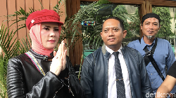 Giliran Angel Lelga Gugat Cerai Balik Vicky Prasetyo