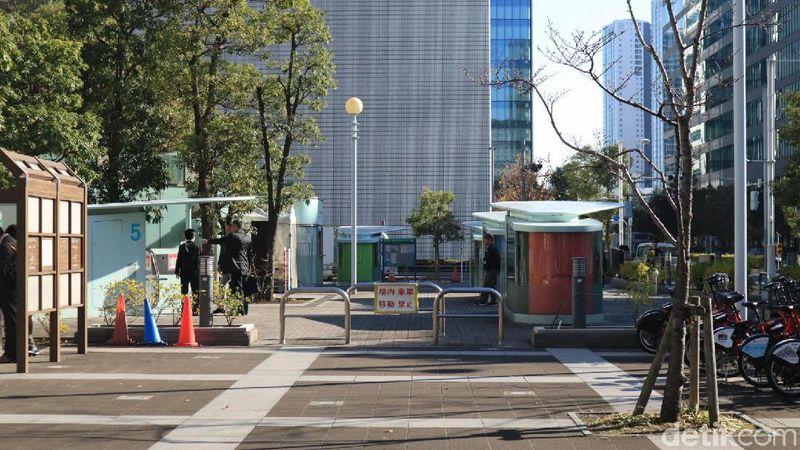 Parkiran sepeda yang canggih itu detikcom temuidi area taman yang jadi ruang publik di Minato City, Tokyo, Jepang. (Foto: Johanes Randy/detikcom)