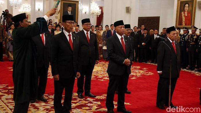 Jokowi melantik Wantimpres. (Rengga Sancaya/detikcom)