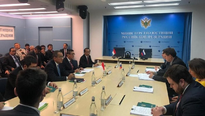 Foto: Menkum HAM Yasonna bersama Menteri Kehakiman Rusia (dok. Istimewa)