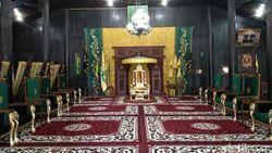 Pesona Istana di Barat Daya Pulau Kalimantan