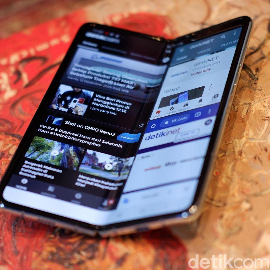 Galaxy Fold Punya eSIM, Bisa Dipakai di Indonesia?