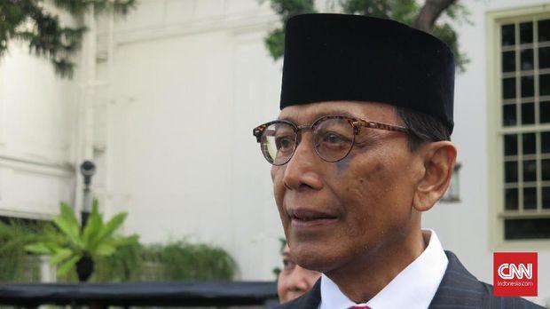 Mantan Ketua Umum Partai Hanura Wiranto tak diundang ke munas partainya.