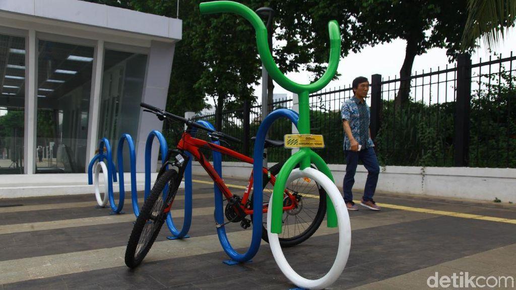 PSBB Transisi DKI: Kantor, Mal hingga Terminal Harus Sediakan Parkir Sepeda