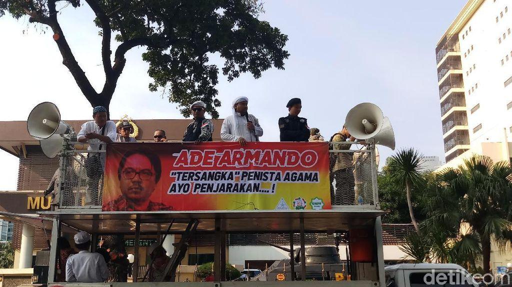 Novel Bamukmin Demo Kasus Sukmawati, Bandingkan dengan Pelaku Persekusi Banser