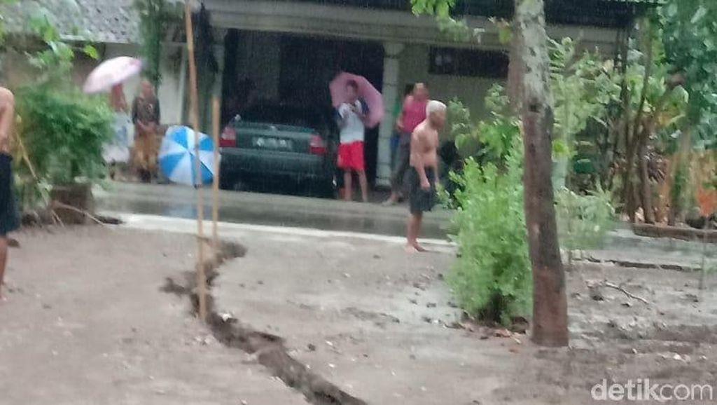 Fenomena Tanah Retak Kerap Terjadi di Ponorogo, BPBD Pasang Alat Ini