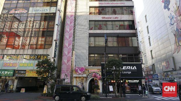 'Maid Cafe' Jepang Ajak Pengunjung Bercerita Sambil Bersantap