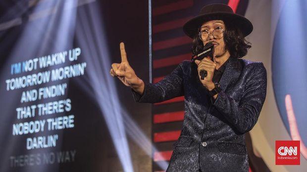 Berbagi Lapak Karaoke Massal dan Konvensional (FOKUS)