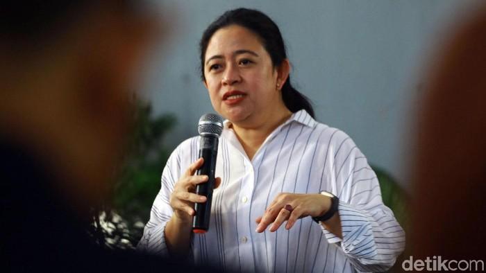 Ketua DPR RI, Puan Maharani didampingi sejumlah anggota DPR RI melakukan ramah tamah dengan koordinator wartawan DPR RI di Ancol, Jakarta, Jumat (13/12/2019). Puan mengajak para wartawan agar DPR berkualitas, modern dan bersih.