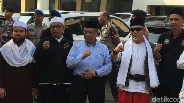 Perwakilan Massa Aksi Demo Sukmawati-Gus Muwafiq Diterima Bareskrim Polri.