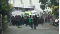 Kronologi di Video Viral Pemuda Dipukuli Polisi Saat Ricuh Tamansari Bandung