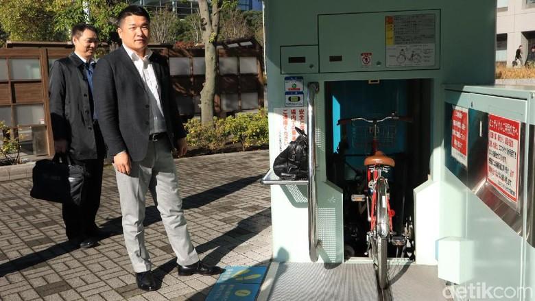 Parkiran sepeda otomatis di Jepang (Randy/detikcom)