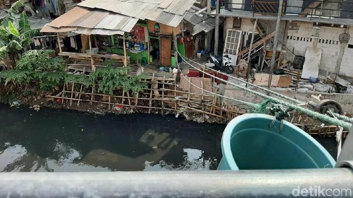 Tempat Pesan Makanan Pakai Tali Ember di Jakarta (Foto: Yoki/detikcom)