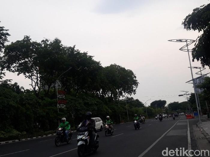 Saat Surabaya Selatan mendung sore tadi/Foto: Hilda Meilisa Rinanda