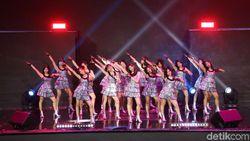 Memukaunya JKT48 hingga Isyana Sarasvati Buka HUT ke-18 Transmedia