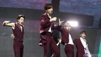 NCT Dream akhirnya mengguncang panggung HUT ke-18 Transmedia hari pertama, Sabtu (14/12).