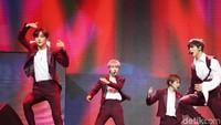 Penampilan Haechan, Jaemin, Jeno, Renjun, Chenle, dan Jisung tak hanya sampai di sini loh! Mereka berenam siap kembali lagi ke atas panggung dengan membawakan penampilan yang tak kalah luar biasa.