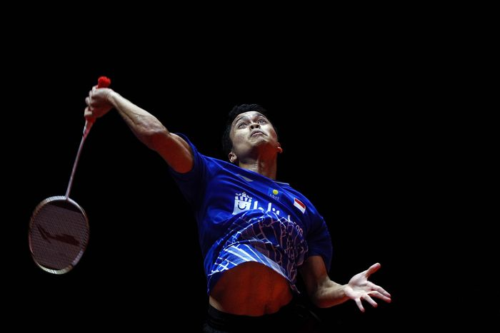 Indonesias Anthony Sinisuka Ginting prepares to hit a return shot against Chinas Chen Long during their mens singles badminton semifinal match at the World Tour Finals in Guangzhou in south Chinas Guangdong province, Saturday, Dec. 14, 2019. (AP Photo/Andy Wong)