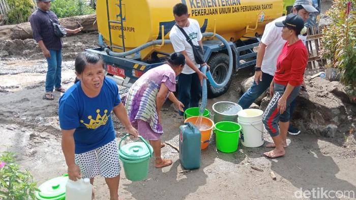 Korban Banjir Bandang di Sigi Krisis Air Bersih (Foto: Qadri/detikcom)