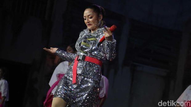 Siti Badriah tampil di HUT Transmedia