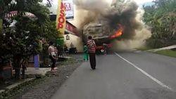 Bus Rombongan Ziarah Terbakar di Ciamis, Penumpang Selamat