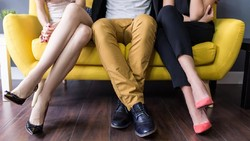 Seperti Threesome, 6 Fantasi Seks Ini Diam-diam Bikin Penasaran