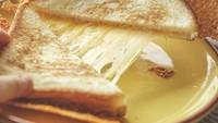 Awas Ngiler! 10 Kreasi Roti Panggang Keju yang Mulur Buat Sarapan