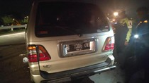 Minibus Terguling di Tol Sumo, 1 Penumpang Tewas dan 8 Luka-luka