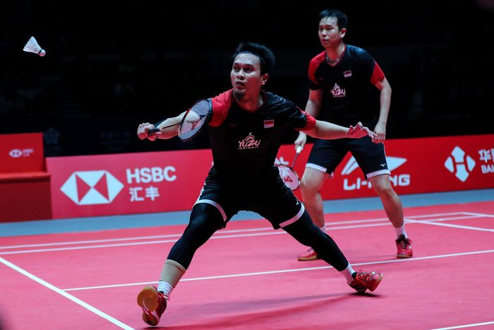 Hendra Setiawan/Muhammad Ahsan menjadi juara BWF World Tour Finals 2019. Mereka mengalahkan Hiroyuku Endo/Yuta Watanabe dua gim langsung 24-22 dan 21-19 di Tianhe Gymnasium, Guangzhou, Minggu (15/12/2019).