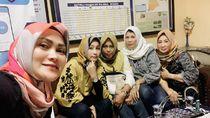 Siapa Penyebar Foto Selfie Ibu-ibu Penabrak Pemotor di Tegal?