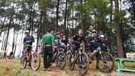 Foto: Gowes Sepeda Sambil Promosikan Wisata Ciamis