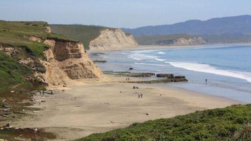 Akhir pekan lalu Pantai Drake di California, AS, dihebohkan oleh keberadaan ikan yang menyerupai penis. Ini dia pantai yang jadi lokasinya (California Beaches)