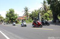 Disiksa 393 Km di Bali, Berapa Konsumsi BBM Honda PCX?