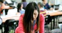 Xing Chengbo, jurnalis yang salah tulis berita dimaafkan netizen karena fotonya viral.