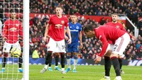 Babak I Tuntas, Gol Bunuh Diri Bikin MU Tertinggal dari Everton