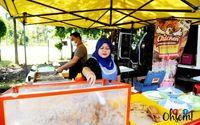 Jualan Ayam Goreng di Pinggir Jalan, Omzet Pedagang Ini Rp 50 Juta per Bulan!