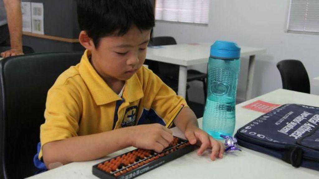 Sempoa Semakin Popular Digunakan Belajar Menghitung di Australia
