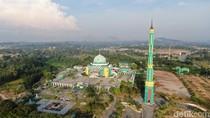 Foto Drone: Kemegahan Masjid Agung Karimun di Perbatasan RI