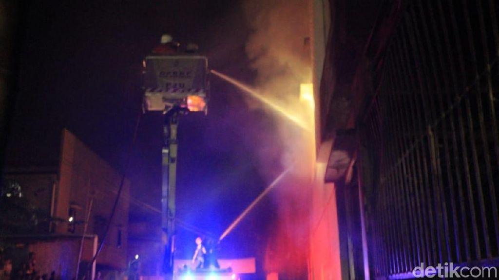Kebakaran Toko Mebel di Karawang, Tiga Orang Tewas Terjebak