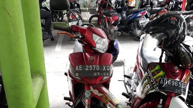 Motor misterius yang sudah parkir berbulan-bulan di Bandara Adi Soemarmo