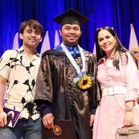 Cerita Manny Pacquiao Jadi Sarjana di Usia 40: Tak Ada Kata Terlambat