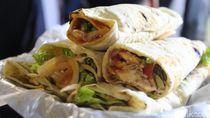 Viral! Kebab Istanbul Autentik Buatan Orang Turki di Sawah Besar