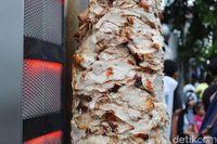 Viral Kebab Istanbul Autentik Buatan Orang Turki Di Sawah Besar