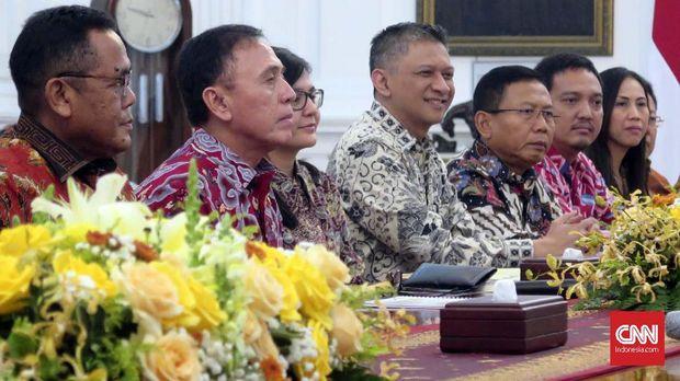Iwan Bule dan pengurus PSSI bertemu Presiden Jokowi.