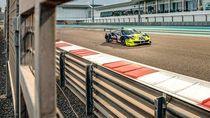 Sebelum Pakai Motor Petronas, Rossi Balapan Pakai Ferrari